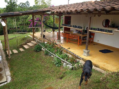 A german casa de ciclista in colombia la finca campesina for Casas en la finca